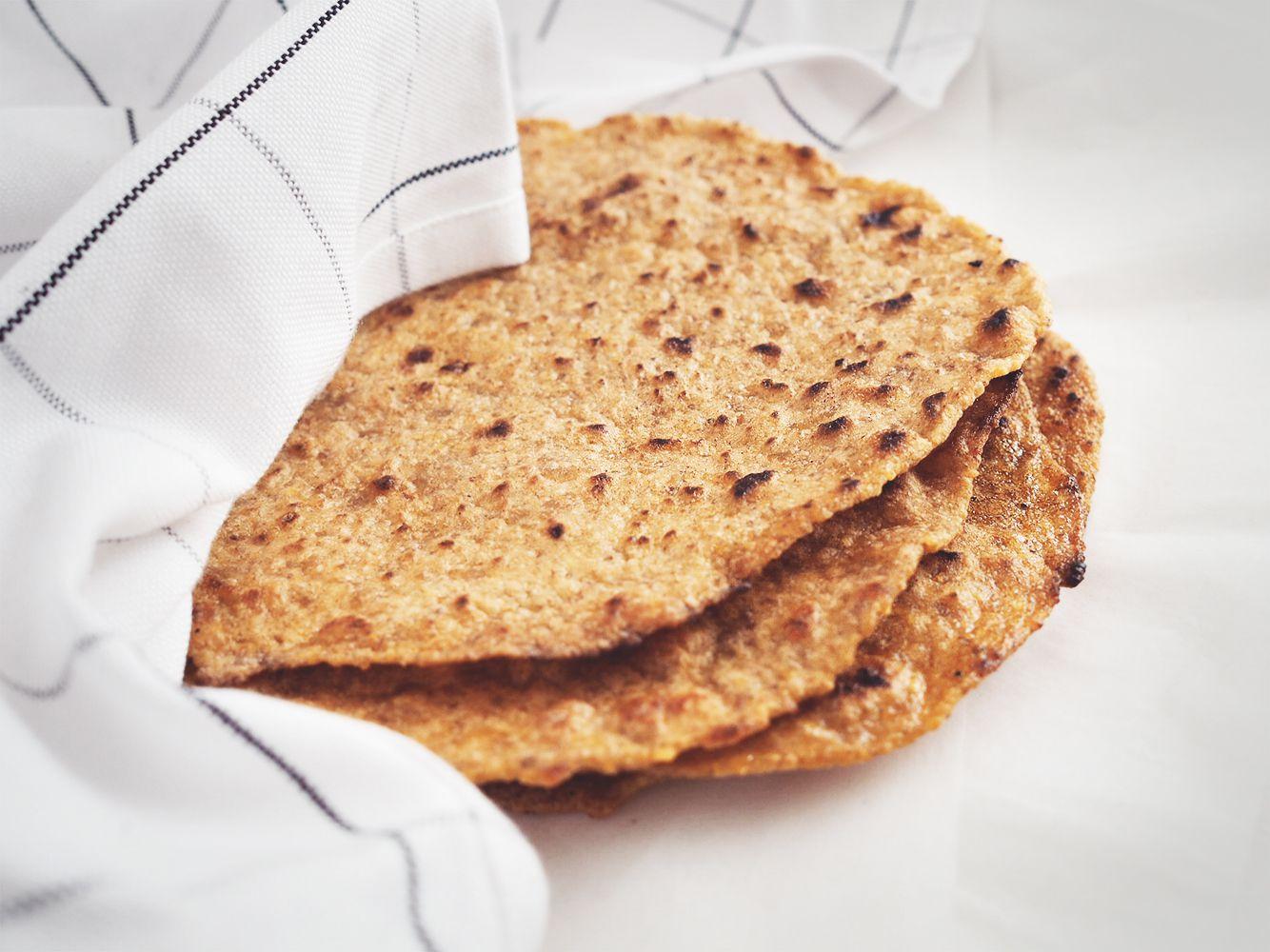 tortilla z plantana – eatmeplease.pl