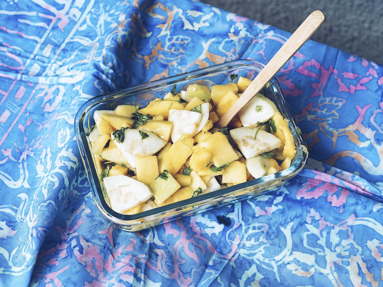 Sałatka z zielonego mango – eatmeplease.pl