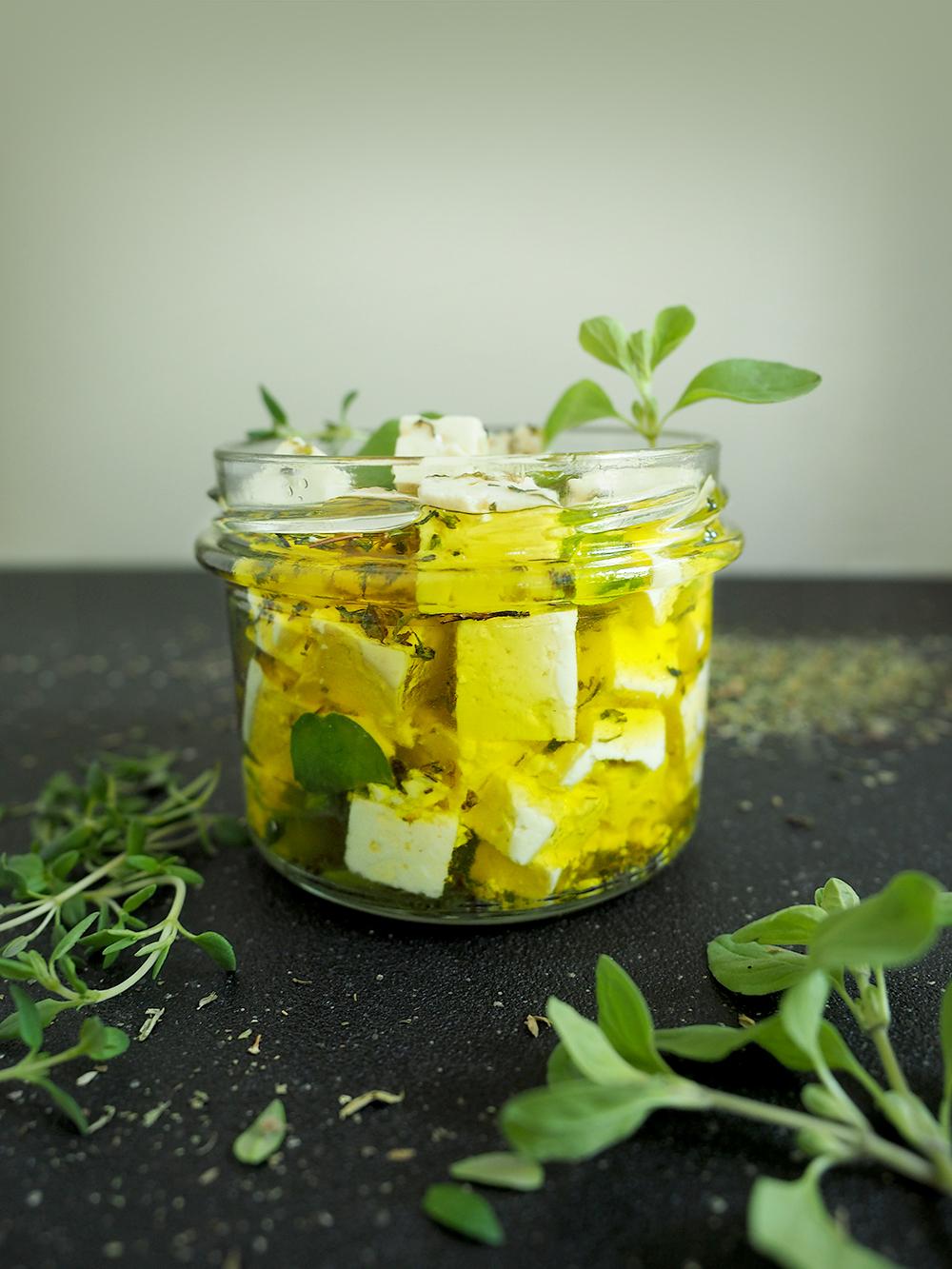 "Tofu ""feta"" w ziołach – eatmeplease.pl"
